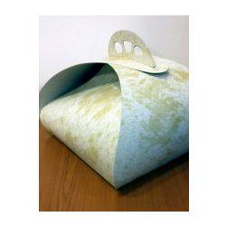 Torta díszdoboz íves, márvány mintás bézs 26×26×18 cm