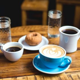 Bögrék, csészék