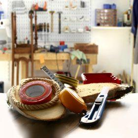 Barkács eszközök, festékek