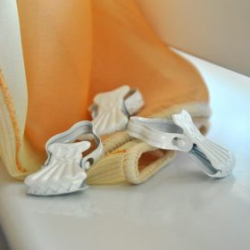 Függönycsipeszek és vitrázsrudak